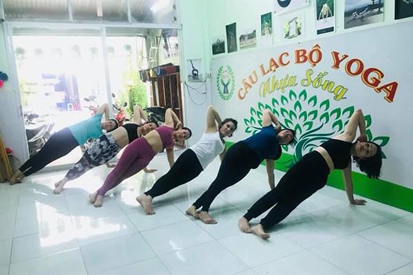 CLB Yoga & Spa Nhựa Sống