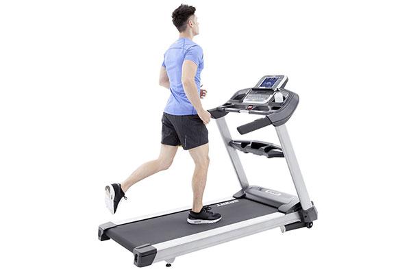 Dùng máy chạy bộ giúp xương chắc khỏe
