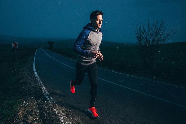Lợi ích của chạy bộ buổi tối