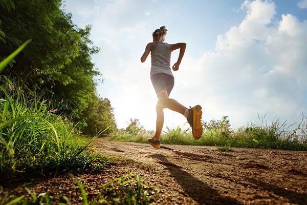 Tập chạy bộ buổi sáng
