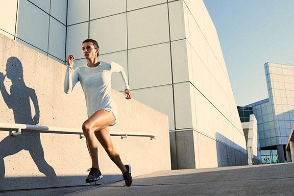 Tập chạy bộ giảm mỡ bụng