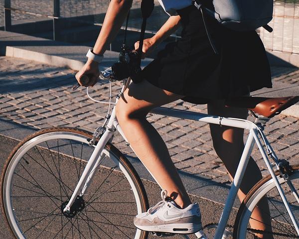 Giữ tốc độ đạp xe từ từ