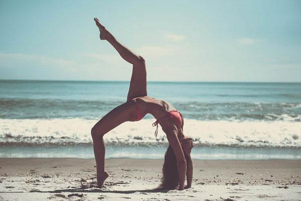 Phụ nữ nên tập Gym hay Yoga để giảm cân?