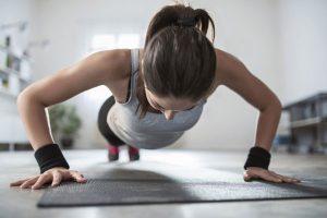 phu-nu-nen-tap-gym-hya-yoga