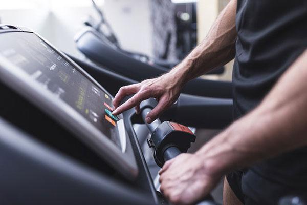 Kiểm tra kĩ máy chạy bộ trước khi quyết định mua