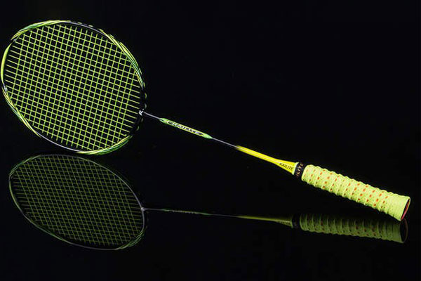 Chọn địa chỉ uy tín để mua vợt cầu lông chất lượng